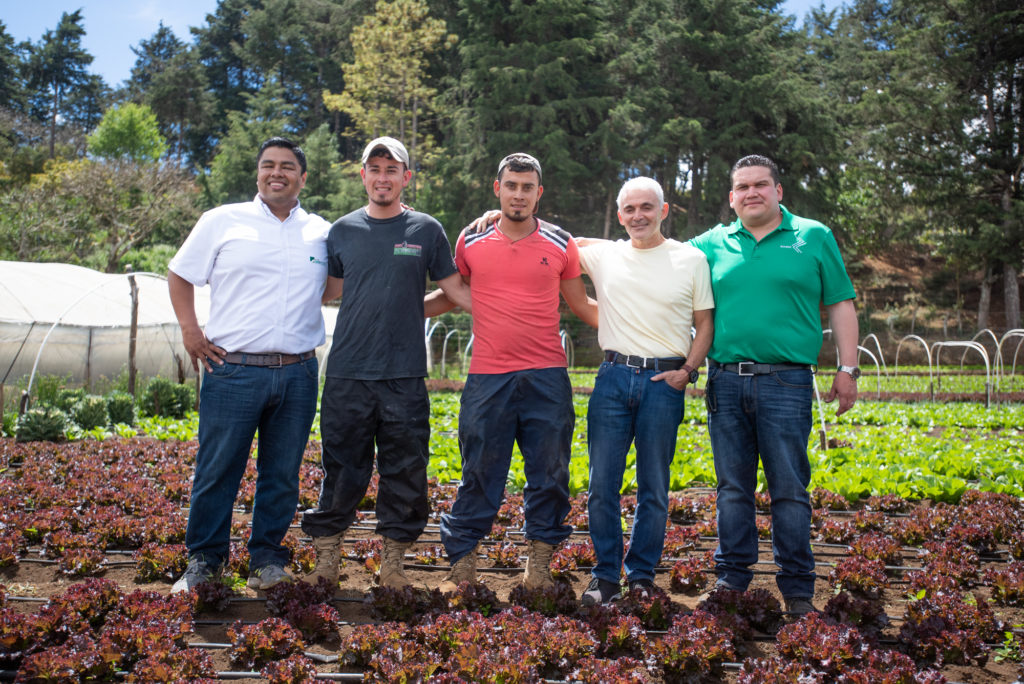 ElSalvador.com – Farmers improve their crops, production, and sales